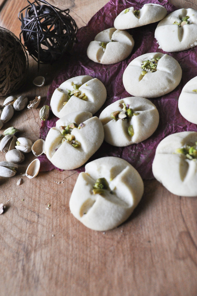 Nankhatai, Melt-in-your-mouth good eggless shortbread cookies are so easy